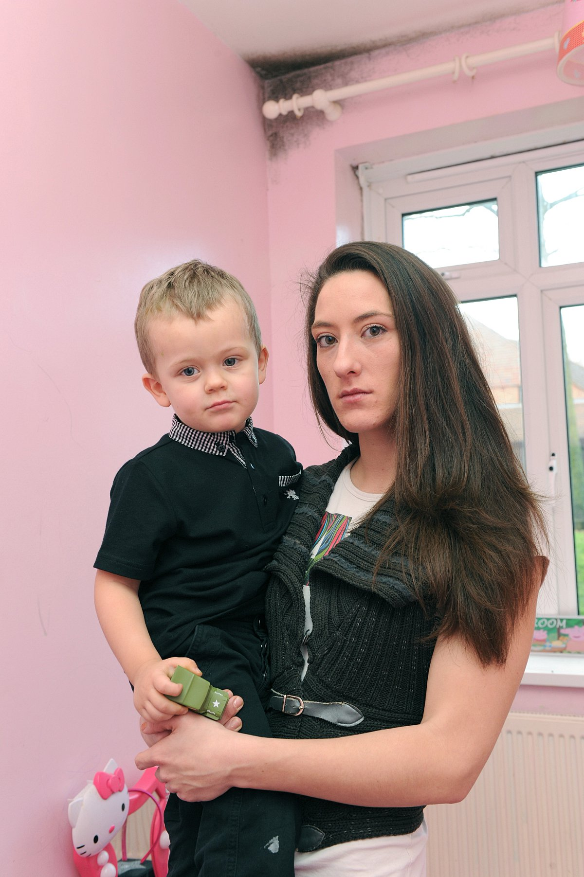 Forest Hill mum fears for asthma-suffering son's health after 'disgusting damp'