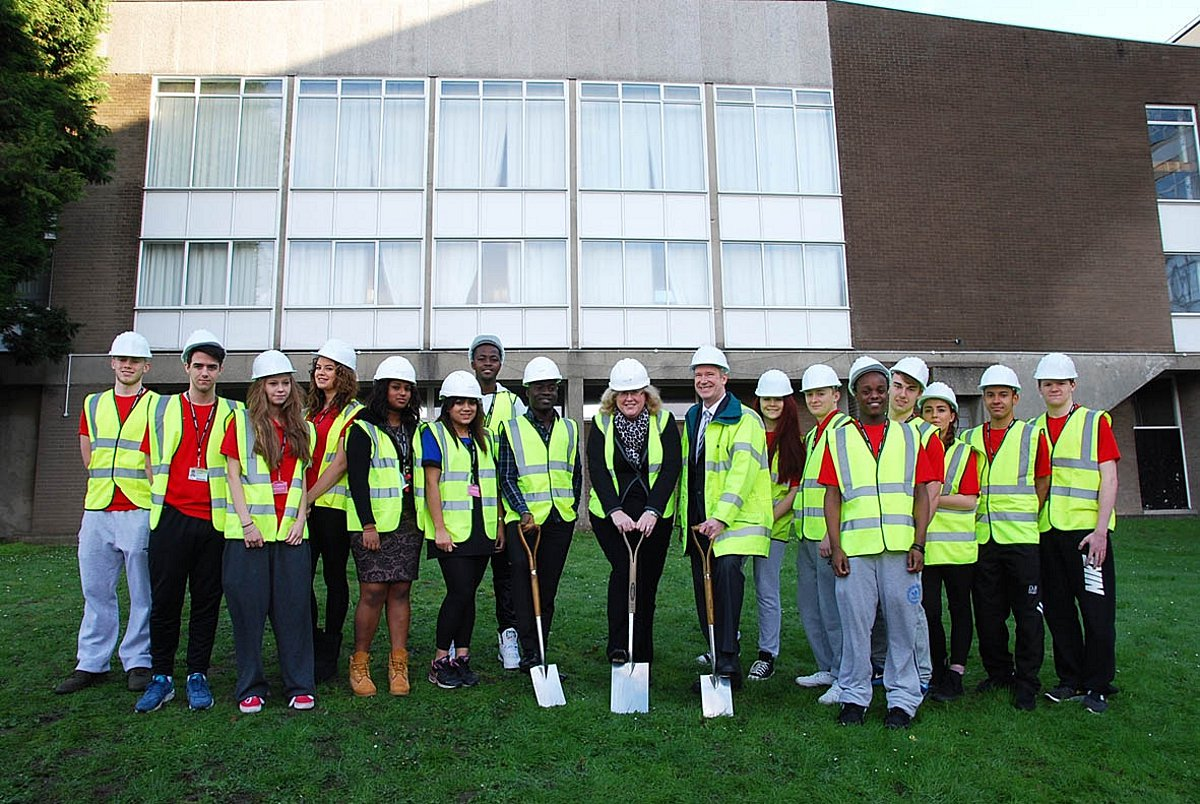 Sam Parrett was joined by a senior figure of the contractor behind the project as well as students