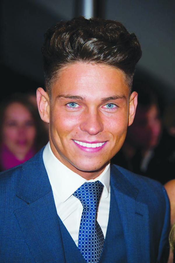 Joey Essex is at Pure Bar in Bexleyheath