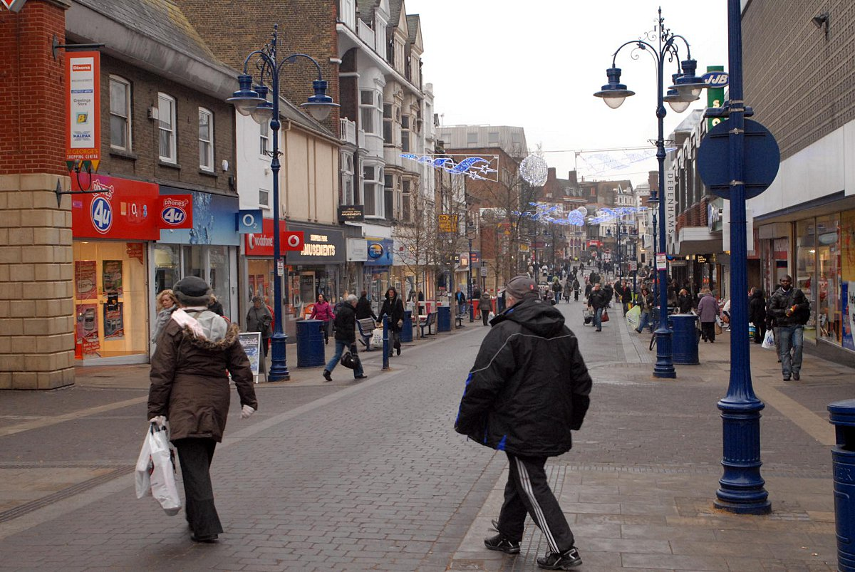Gravesend town centre is now an Alcohol Action Area.