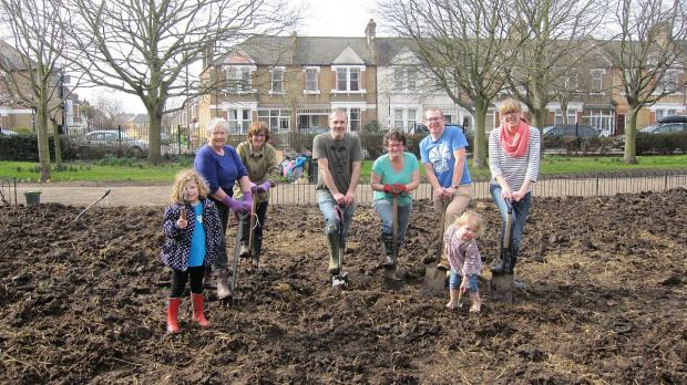 News Shopper: Amateur Lee gardeners transform Manor House Gardens flowerbed for the spring