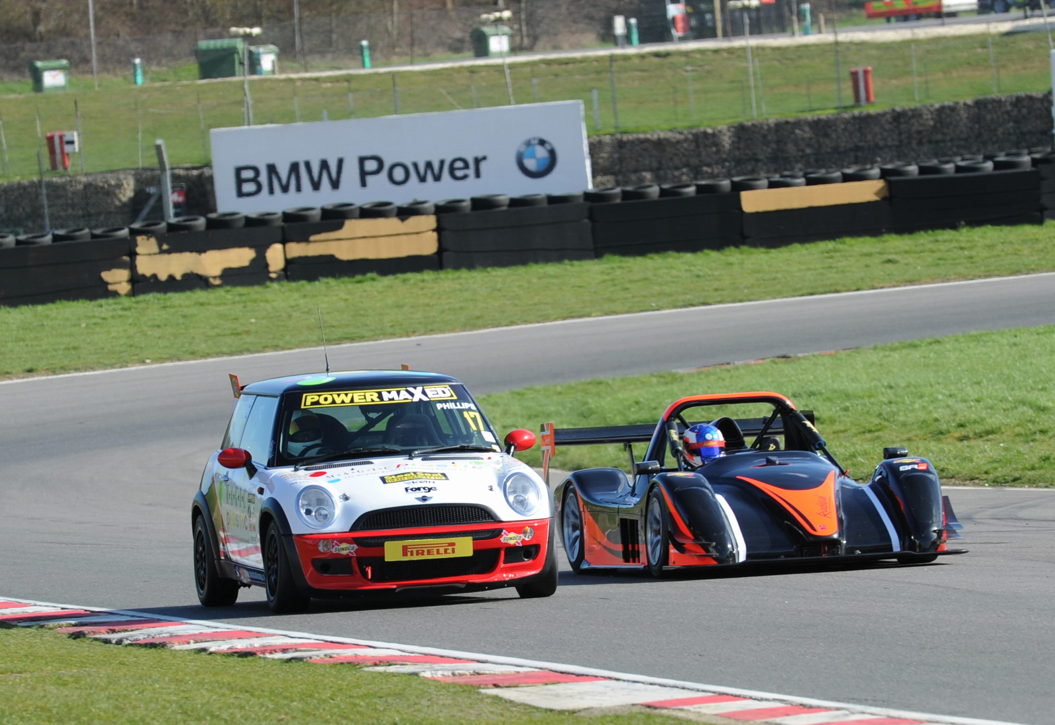News Shopper: MSVR racing Mini and Radical cars testing