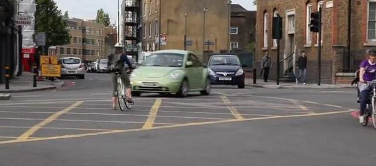 VIDEO: Terrifying near misses for cyclist at Deptford 'nightmare' junction
