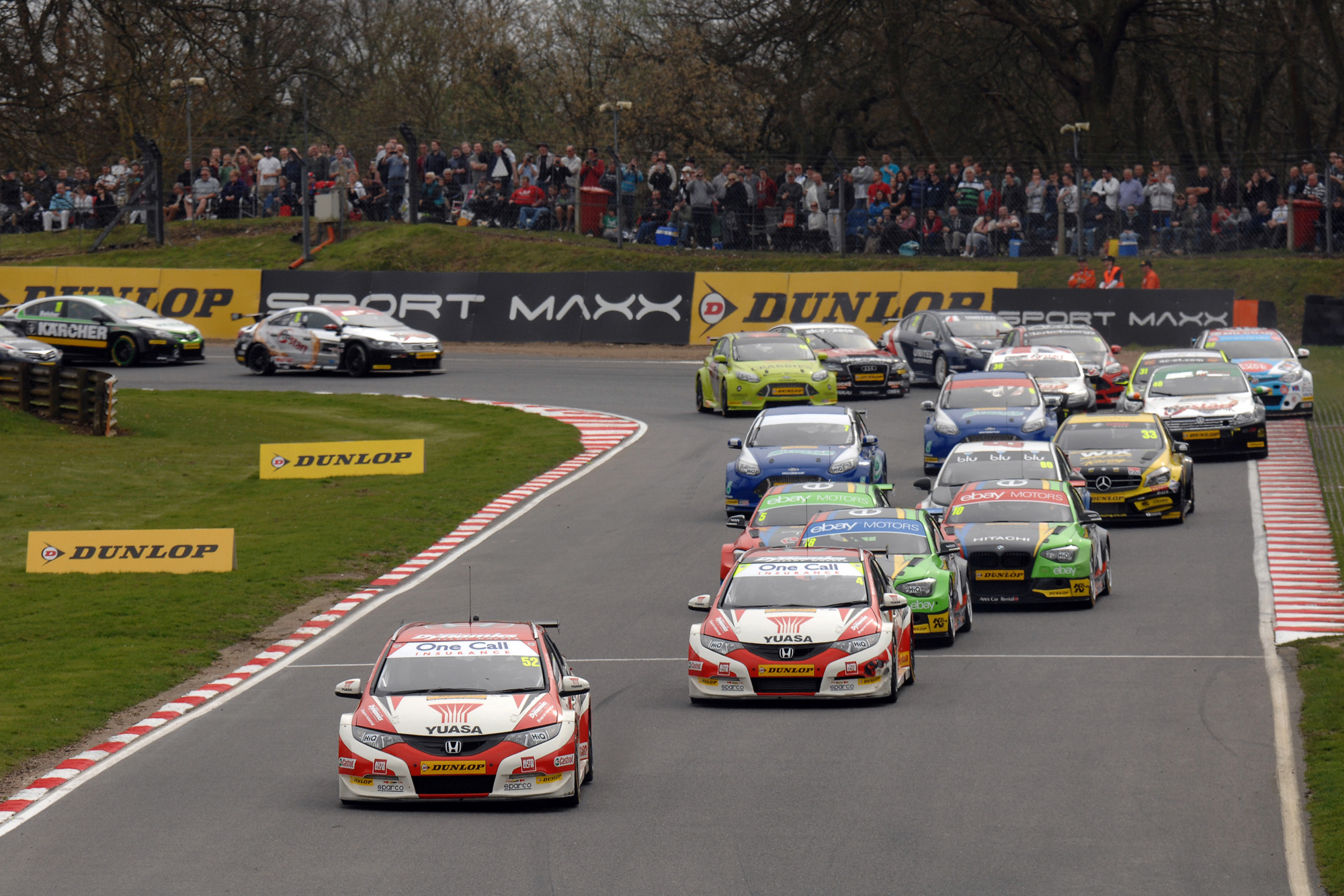 News Shopper: Gordon Shedden and Matt Neal lead at the start of race two