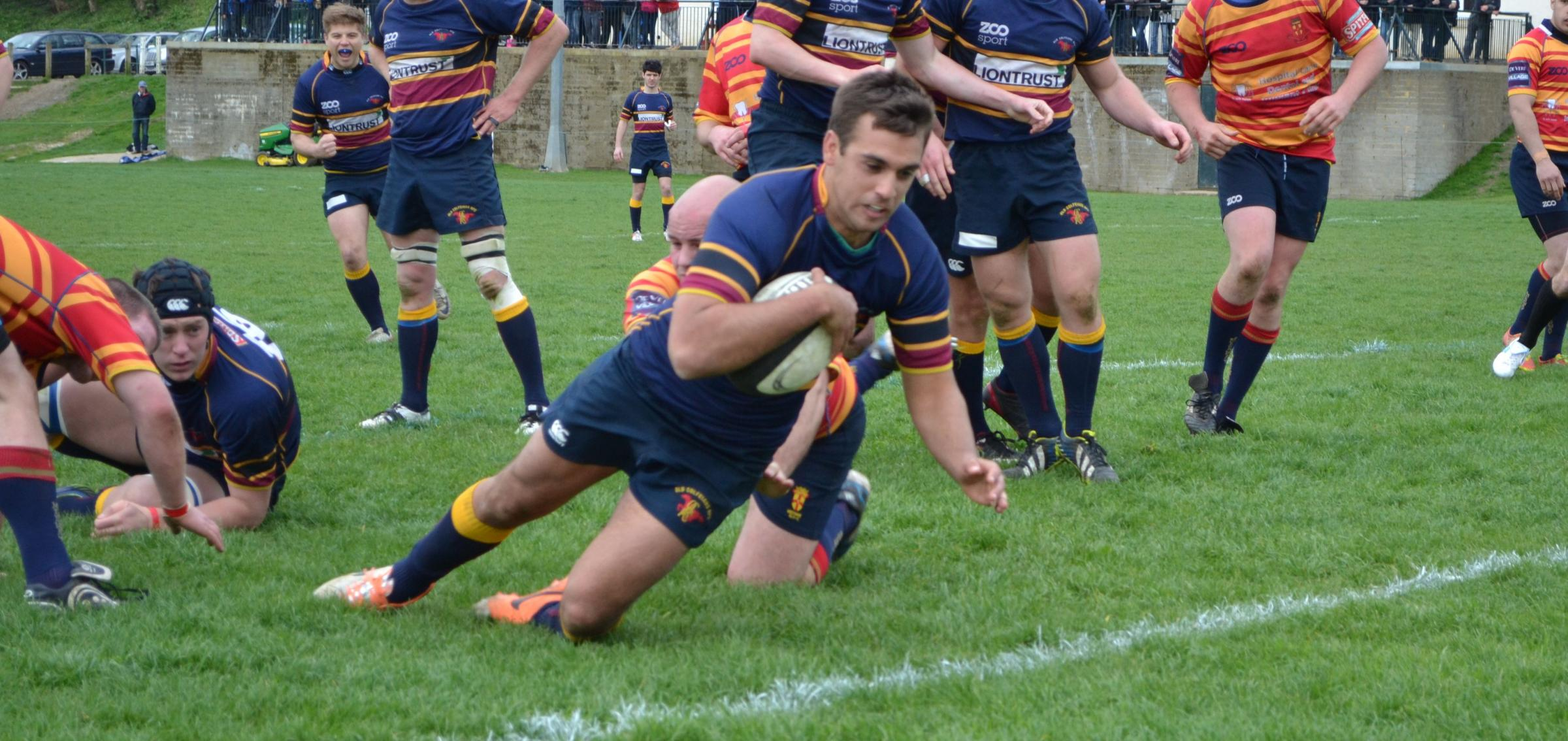 News Shopper: Old Colfeians' Ed Livett scores their try