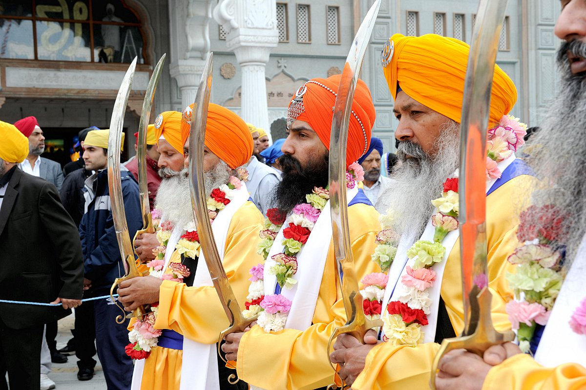 Thousands celebrate Sikh New Year in Gravesend