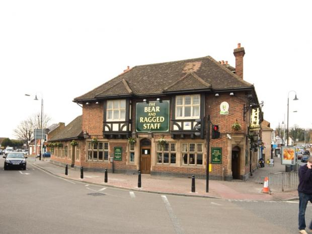 News Shopper: Four men arrested after windows smashed at Crayford pub