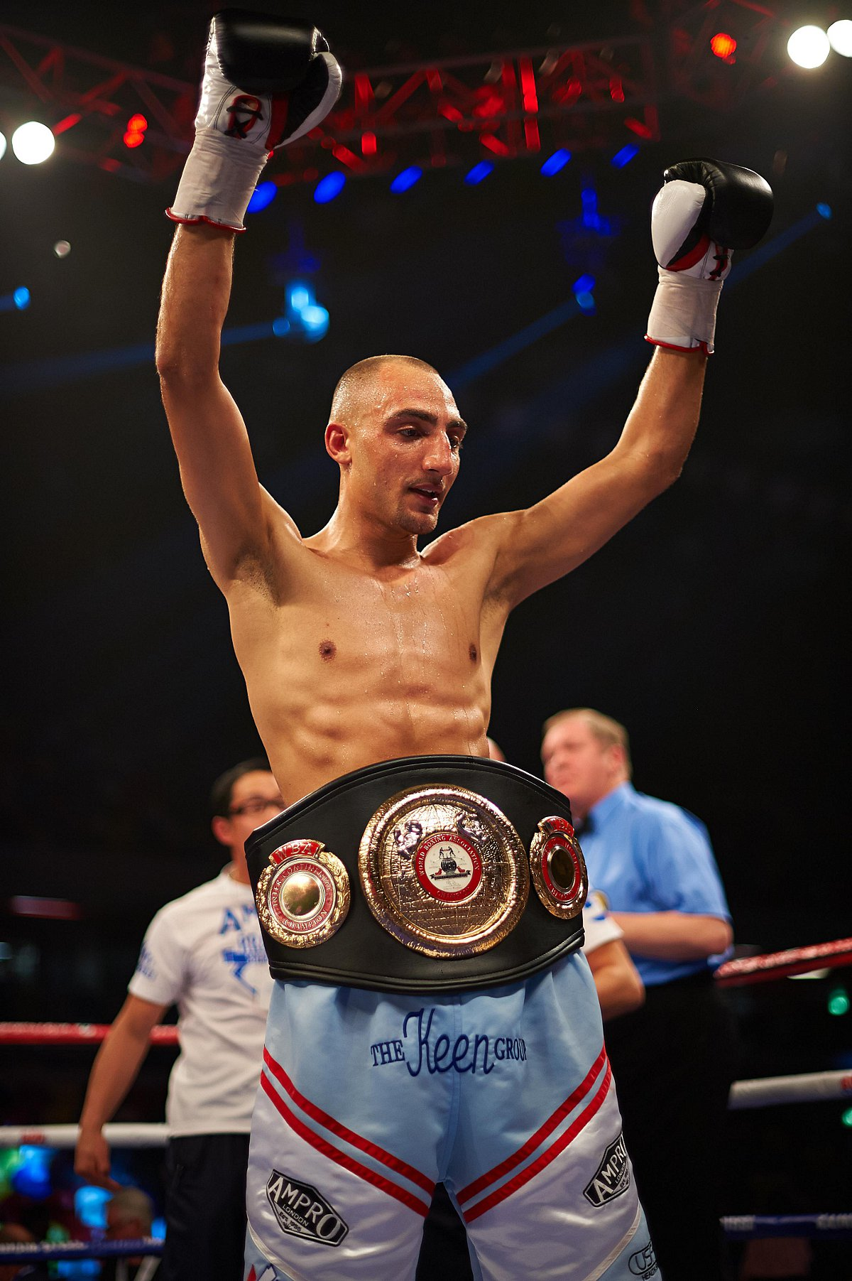 News Shopper: Skeete with his belt