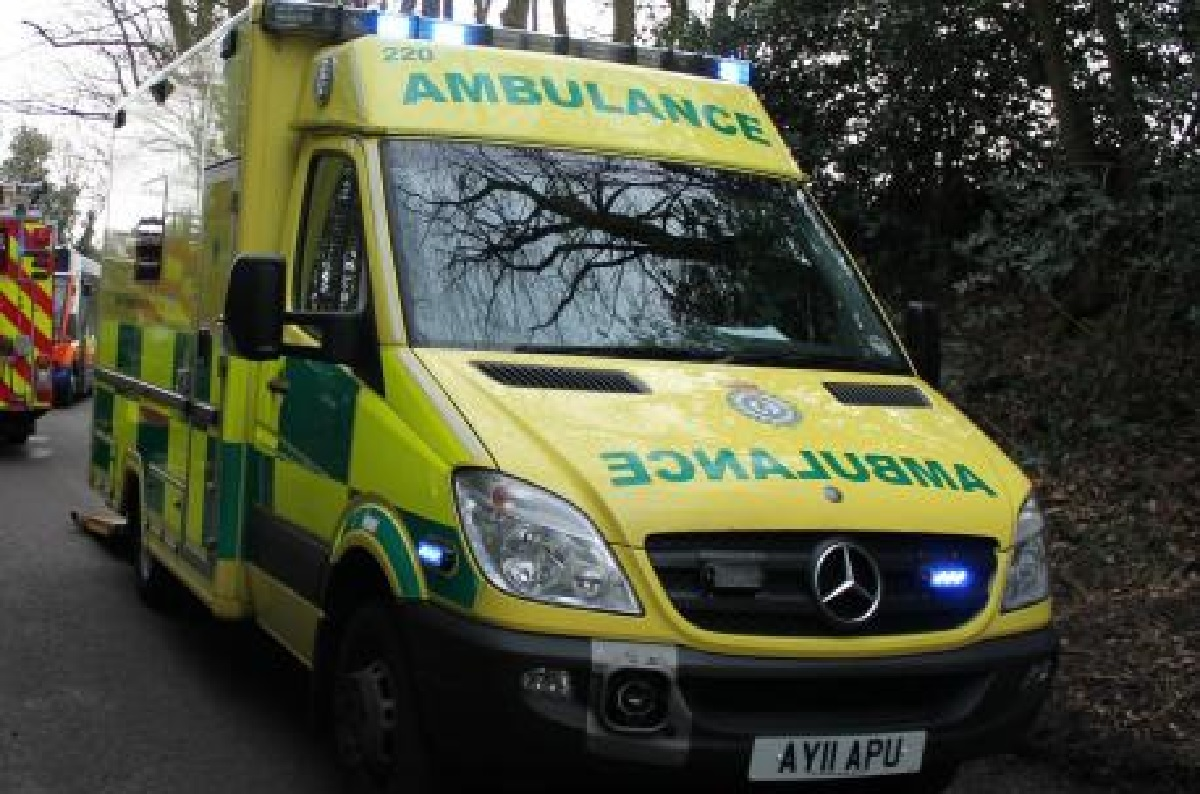 Woman taken to hospital after two cars crash in Keston