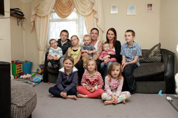 News Shopper: Gravesend mum of nine children is pregnant again- with twin girls