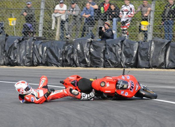 News Shopper: Jakub Smrz crashes out of race two