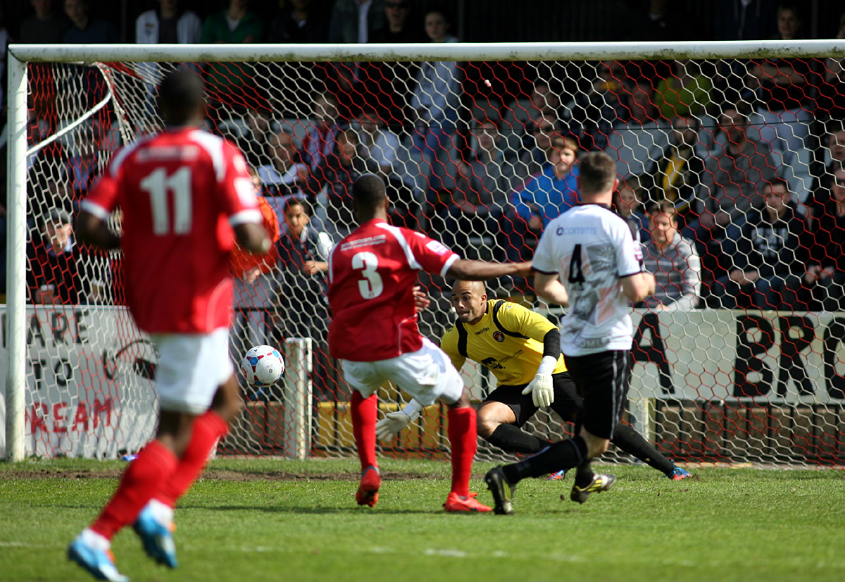 Ebbsfleet ease through to play-off final despite Bromley defeat