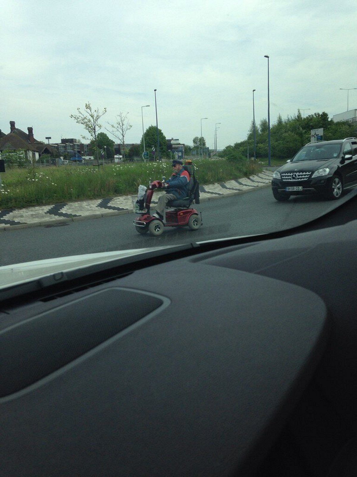 Gravesend mobility scooter man drives motorists round the bend