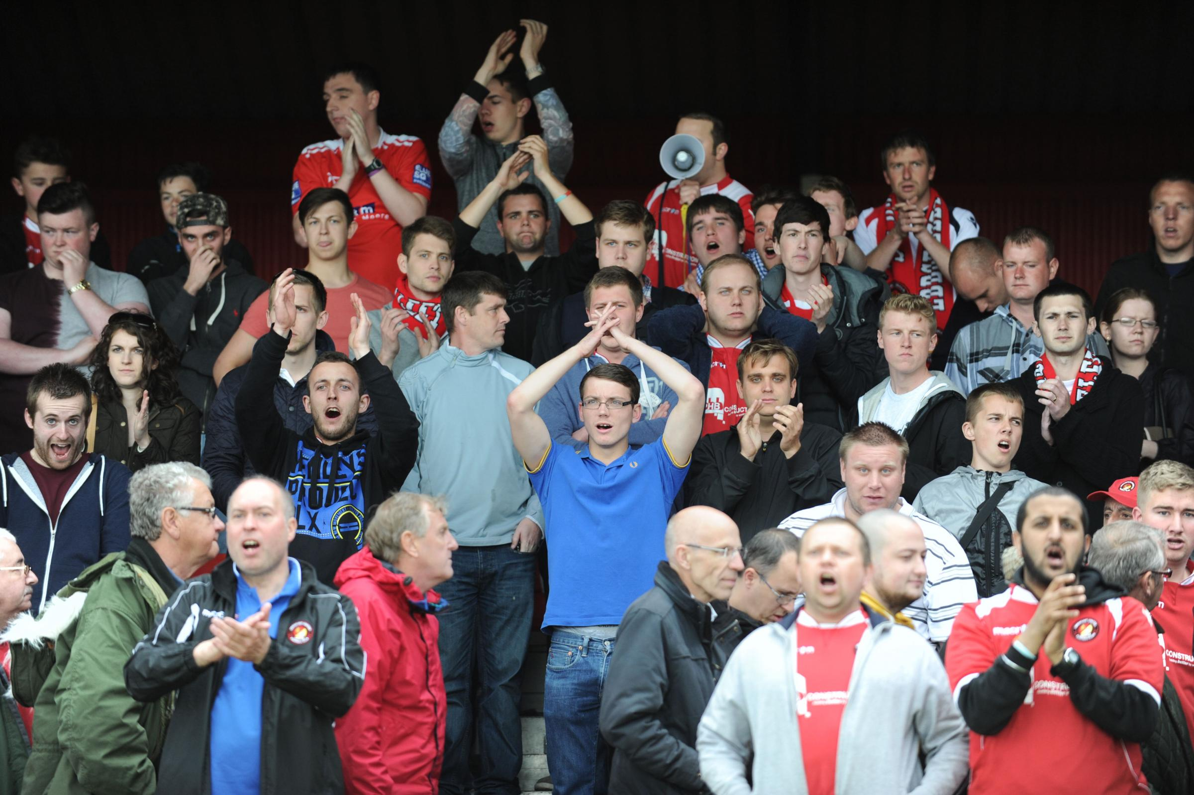 News Shopper: The Fleet fans keep singing