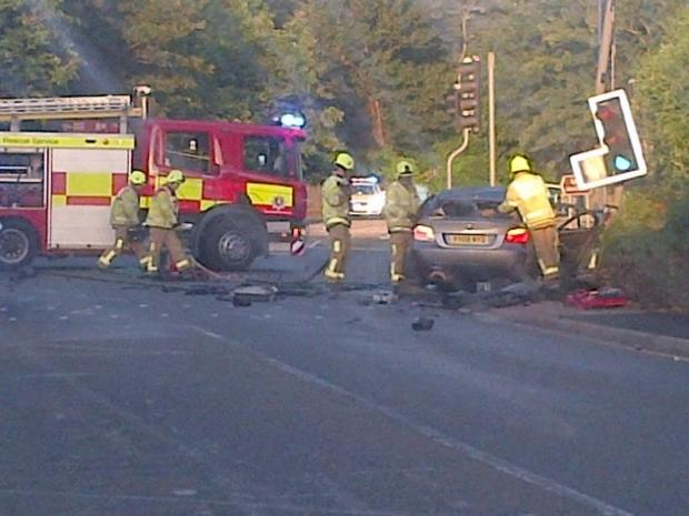 UPDATE - PICTURES: Man suffers serious injuries after crashing into Northfleet traffic lights