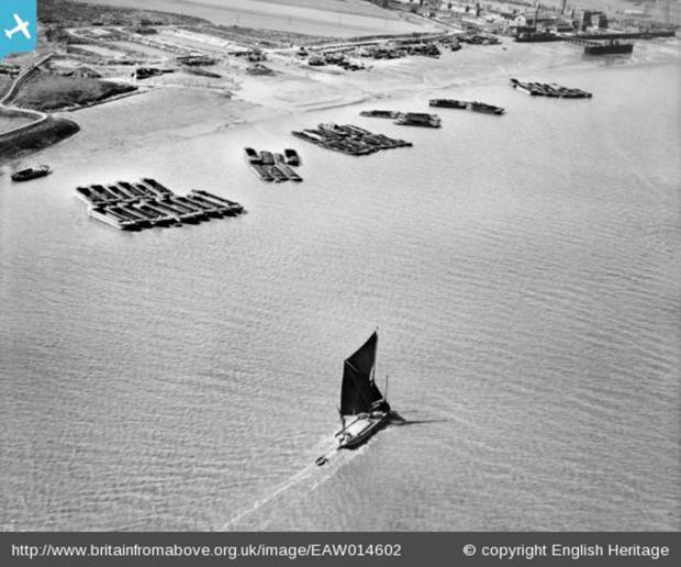 News Shopper: Picture 1 - Sailing barge on Halfway Reach, Erith Marshes, 1948