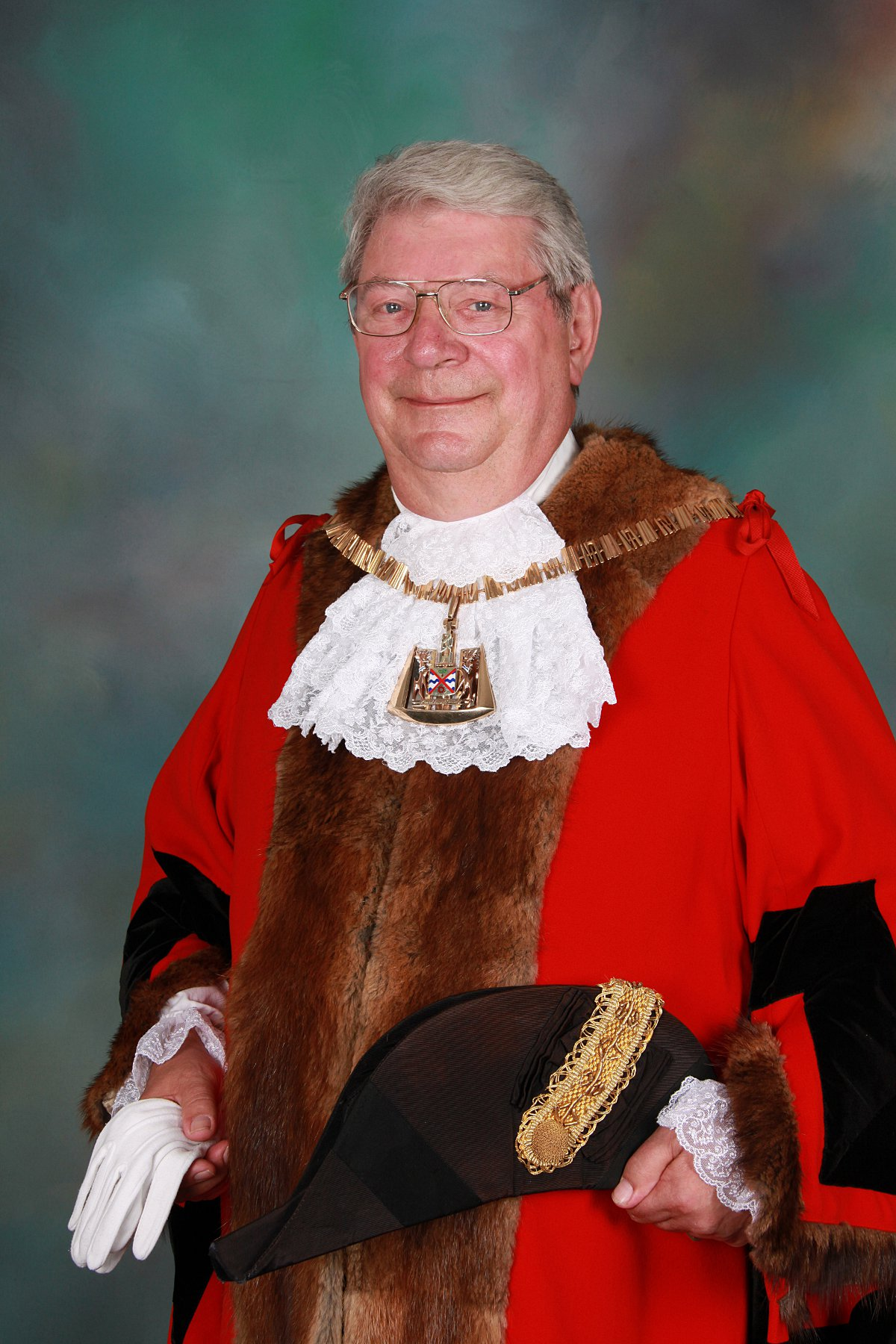 Coun Haward Marriner is Bexley's new mayor.