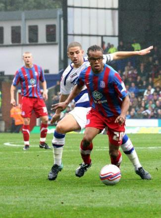 Edgar Davids in action for Crystal Palace