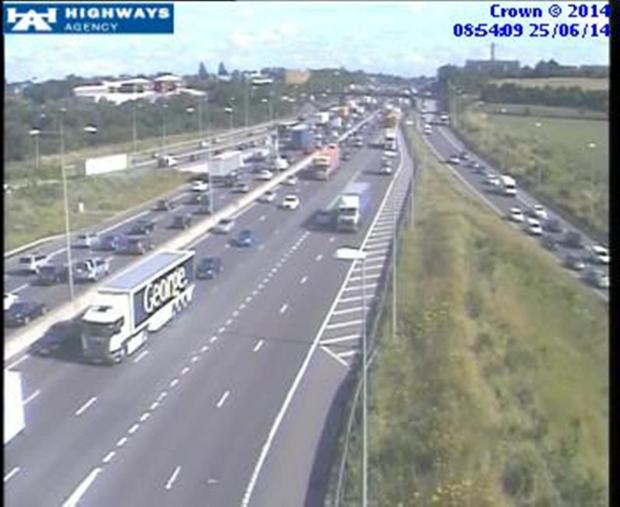 Long delays on M25 due to traffic light delays at Swanley Interchange