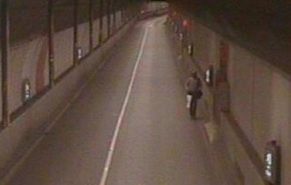 A picture of the runner (by TfLTrafficNews)