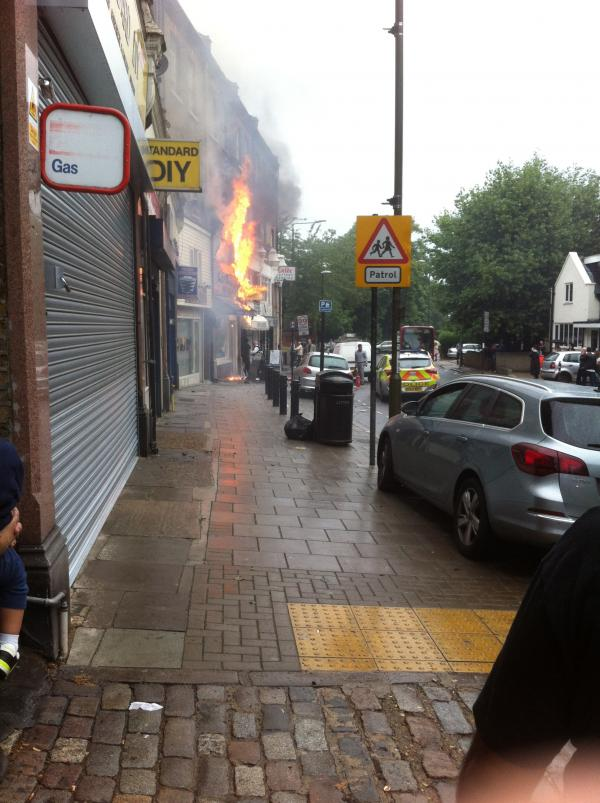 UPDATE: Police and residents rush to help in Blackheath hair salon fire