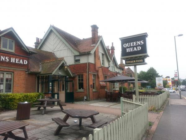 PubSpy reviews The Queen's Head, Green Street Green
