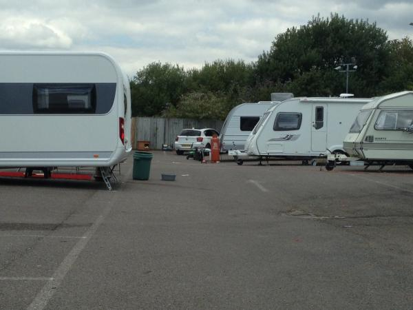 Group of travellers moves into Orpington gym car park