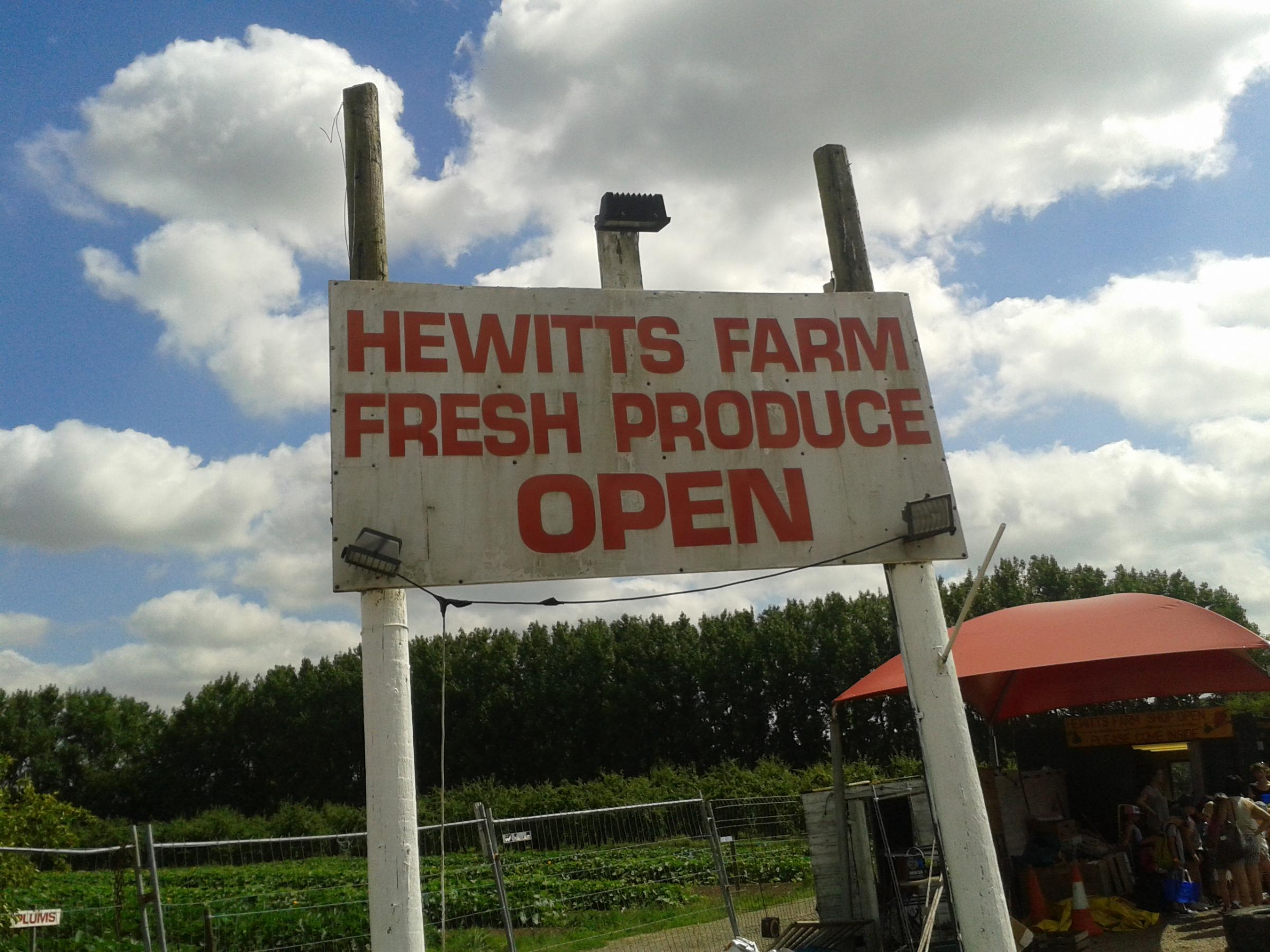 News Shopper: Hewitts Farm Chelsfield
