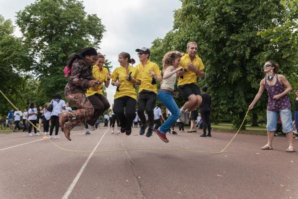 PICTURED: 700 people enjoy skipping in time at Greenwich Park