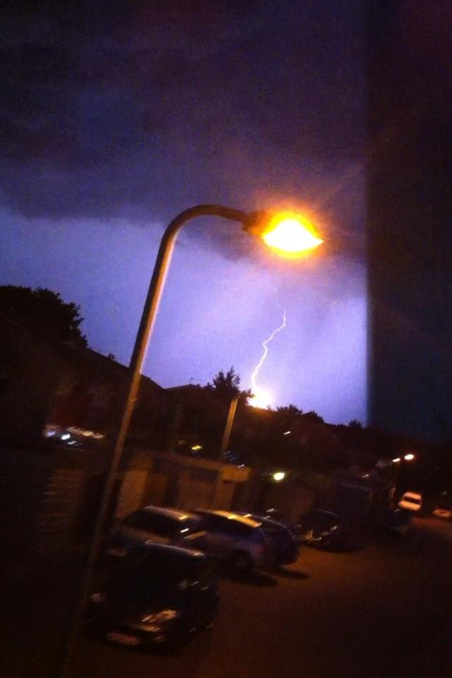 News Shopper: Gravesend lightning