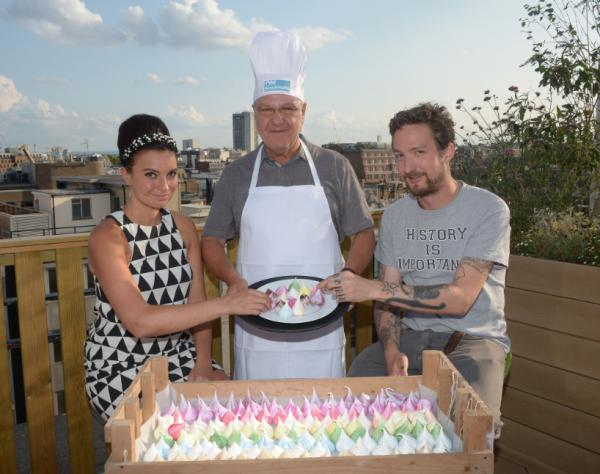 Gizzi Erskine, Harvey Goldsmith and Frank Turner with the Meringue Girls' meringues at the On Blackheath launch night