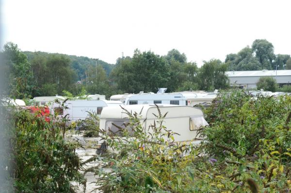 PICTURES: '100' caravans spotted in field in Crayford as travellers move in