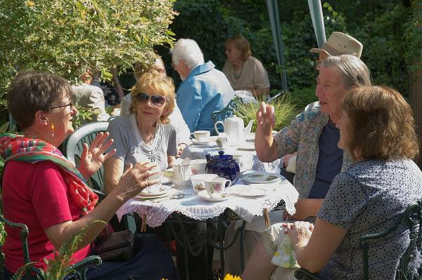 Friends of the Horniman Museum hold fundraising tea
