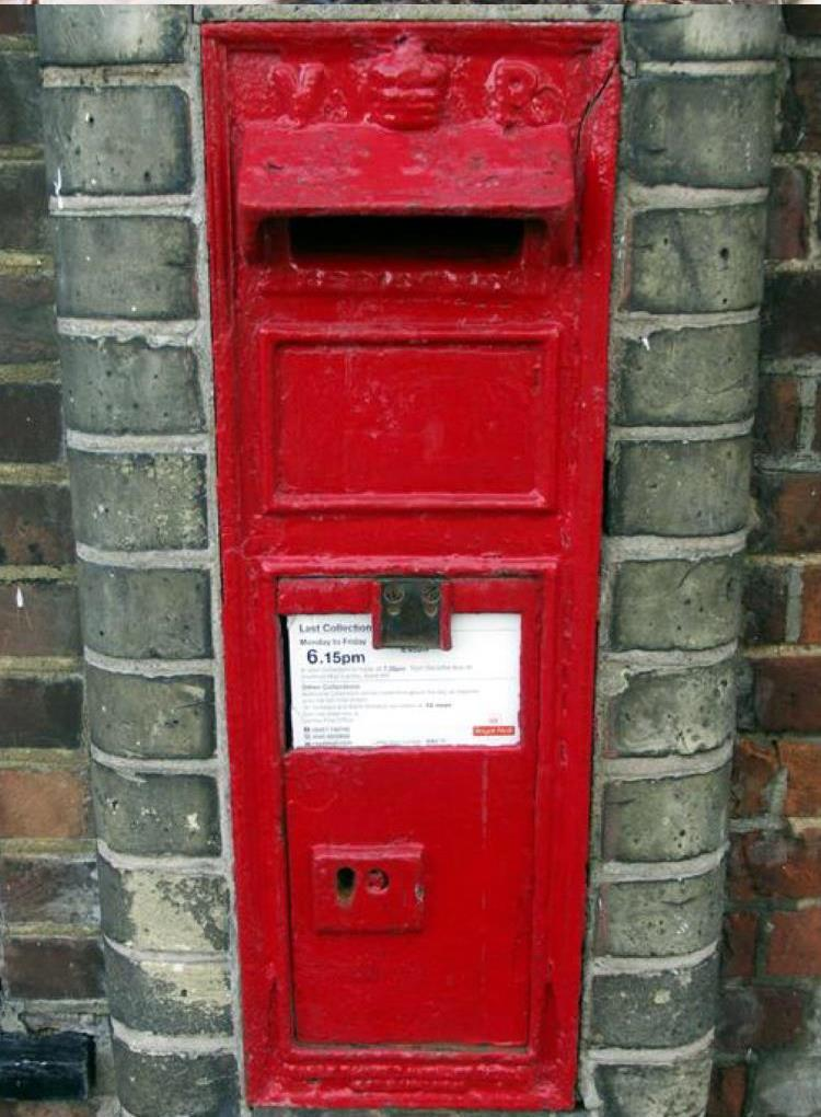 Post box worth £200 stolen from outside Hartley pub