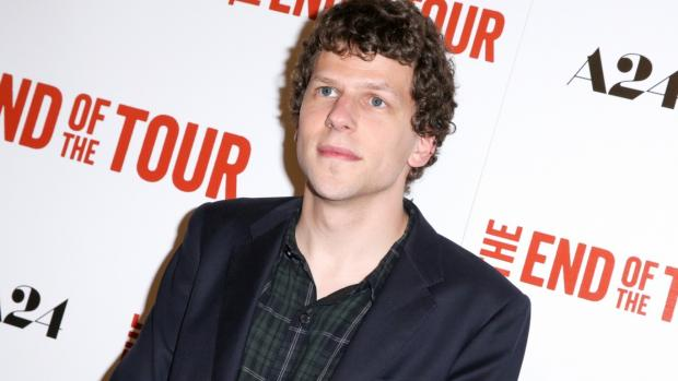 News Shopper: Jesse Eisenberg clarifies Comic-Con genocide comments