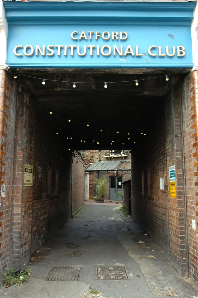 Pubspy finds light at the end of the tunnel at Catford Constitutional Club