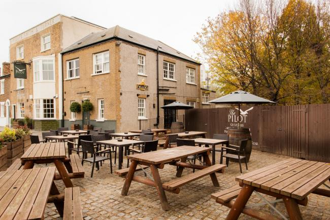 PubSpy reviews The Pilot, Greenwich