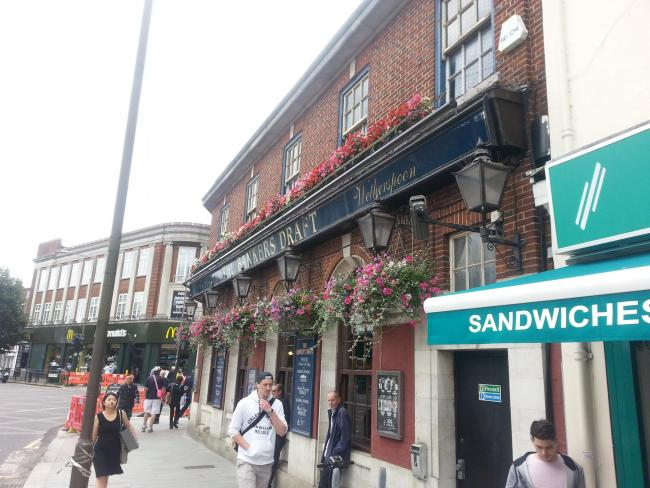 PubSpy reviews The Banker's Draft, Eltham