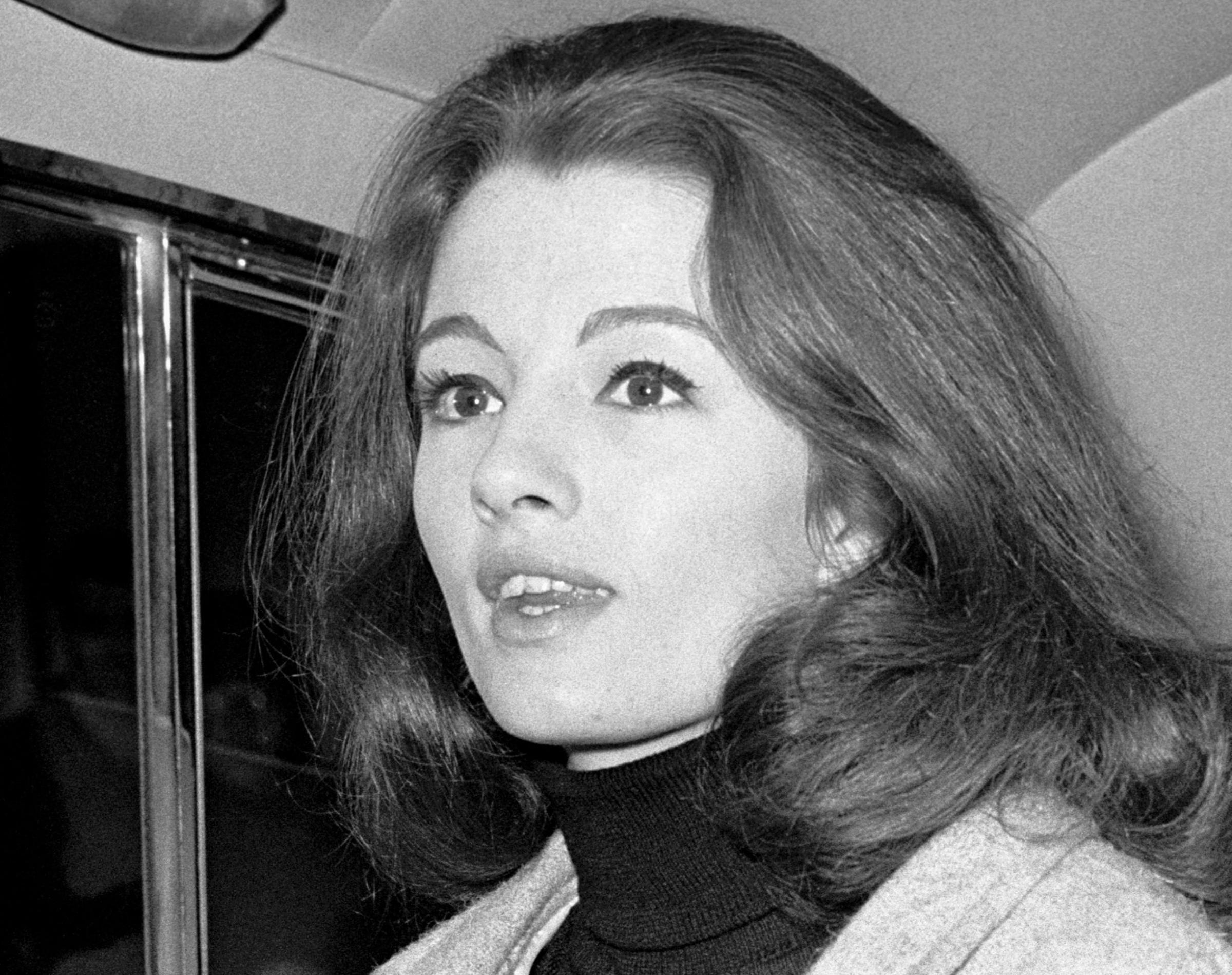 Christine Keeler, ex-showgirl at centre of Profumo scandal, dies