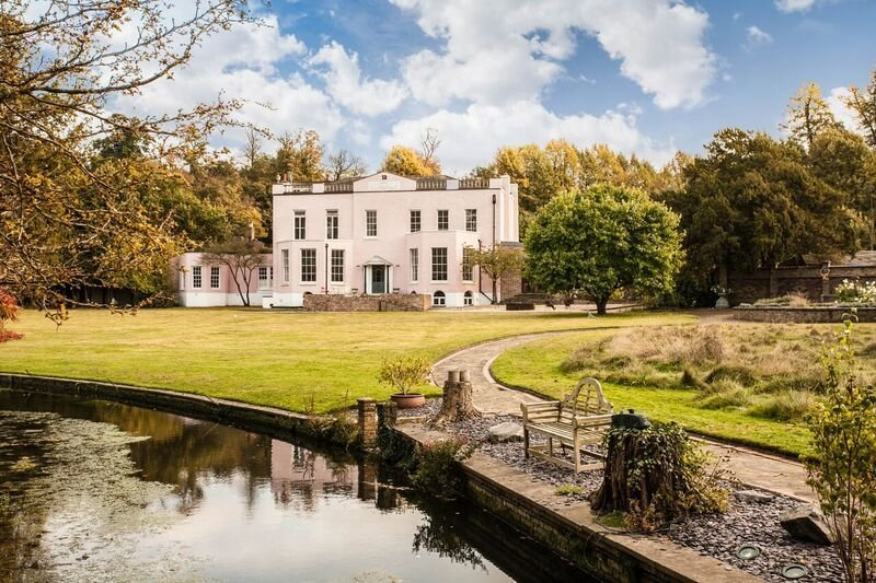 One of the swankiest, most expensive houses currently for sale in Dartford or Bexley.