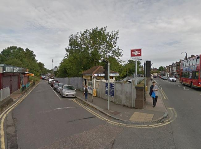 Police called to 'suicidal' man on bridge at New Eltham station