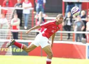 Ebbsfleet Uniteds new signing Darius Charles