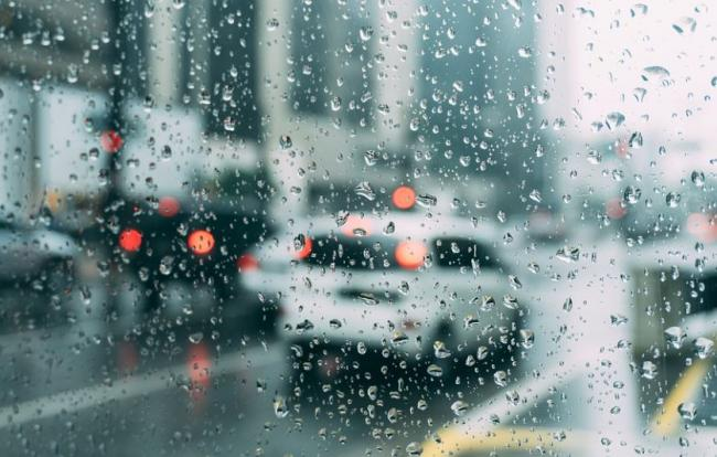 Make Sure You Avoid This Simple Mistake When Driving In The Rain Or Risk 50 Fine