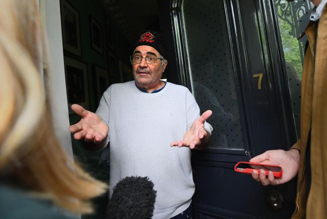 Danny Baker meeting reporters at his home (Victoria Jones/PA Wire)